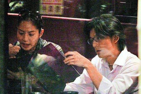 李岳苍跟梁婖婷图片 家庭充满了很多不堪